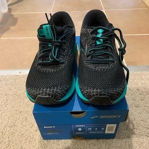 Women Brooks Shoes Run Small on Poshmark